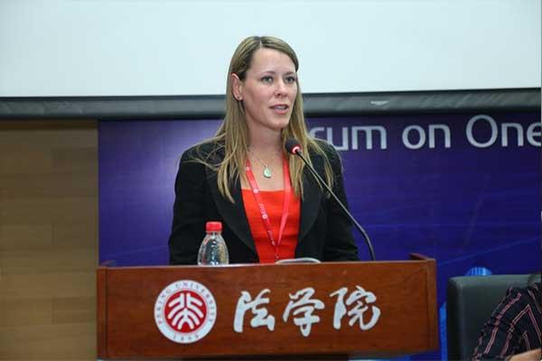 Kim Rosenberg – Counsel of Freshfields Bruckhaus Deringer LLP, Dubai